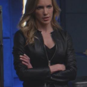 Arrow Season 7 Katie Cassidy Black Jacket