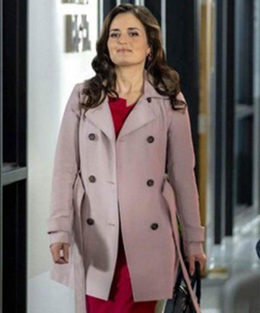 Matchmaker Mysteries A Fatal Romance Danica McKellar Coat