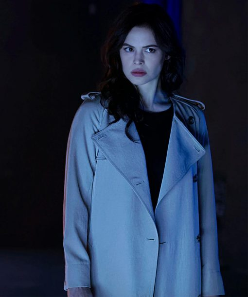 Titans S03 Conor Leslie White Trench Coat