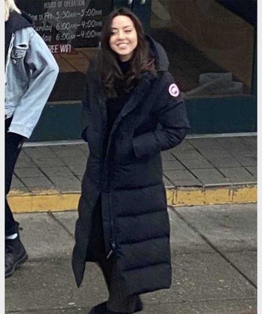Happiest Season Aubrey Plaza Black Hooded Coat