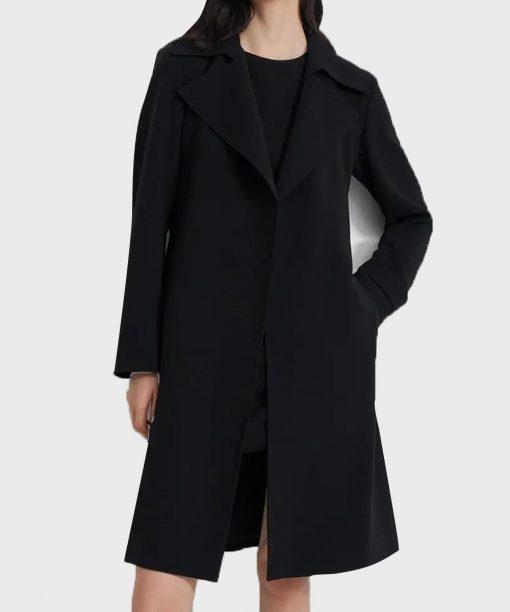 Zoey's Extraordinary Playlist Lauren Graham Black Coat