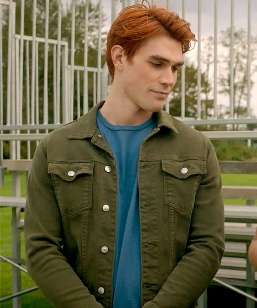 Riverdale S05Ep03 K.J. Apa Green Jacket