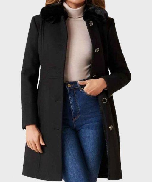 Nicole Kang Batwoman S02 Black Fur Collar Coat